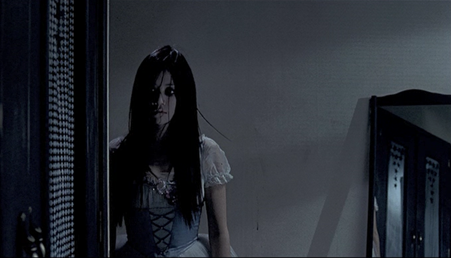 Wishing Stairs (2003) – Obsessive disorders are kind of creepy