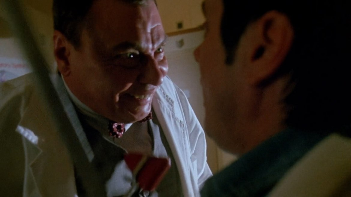 Read more about the article Dr. Giggles (1992) – A giggly mess